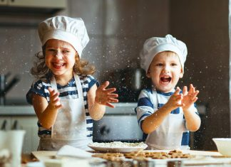 kids-baking-kitchen