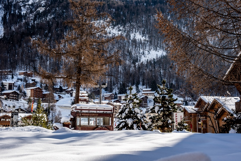 Zermatt-family-ski-holiday