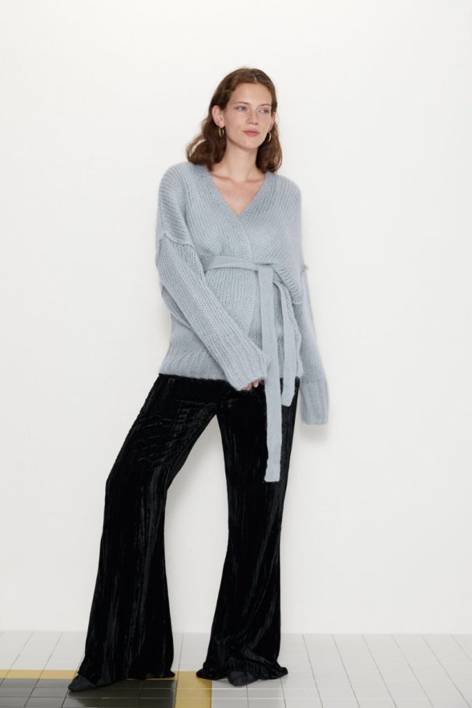 zara-maternity-velvet-trousers