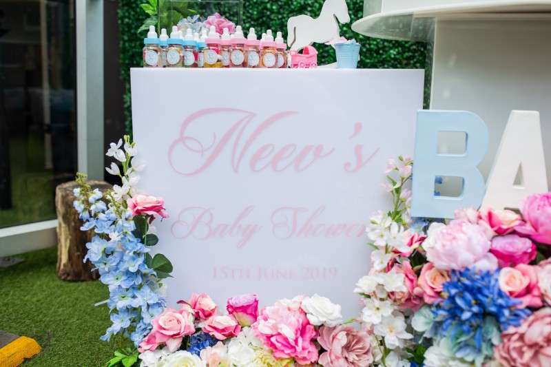neev-spencer-column-baby-shower