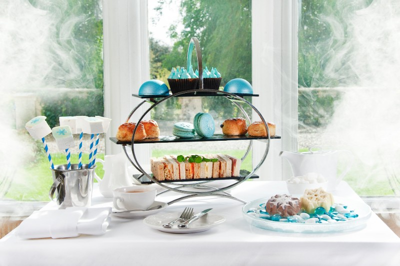 winterwonderland-afternoon-tea-luxury-family-hotels