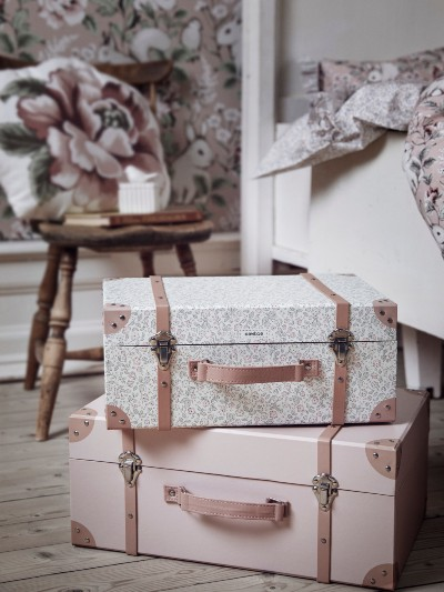 pink-suitcases